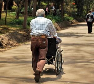 Jo flere og tætte bånd du har til din familie, jo ældre kan du forvente at blive. At deltage i sociale organisationer hjælper også på livslængden, men intet er så vigtigt som familien. Foto: Morguefile