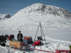 Helvede er nok frosset til, før forskerne har helt styr på afsmeltningen af Grønlands Indlandsis. Foto: Wieter Boone