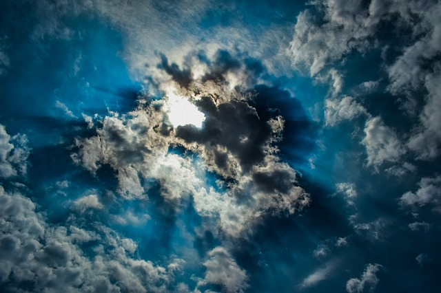 Klima, sol set gennem skyr